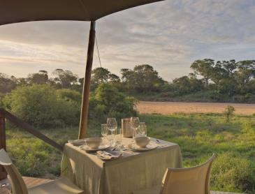 Ngala-Tented-Camp-Overlooking-the-banks-of-Timbavati-River_WEB.jpg