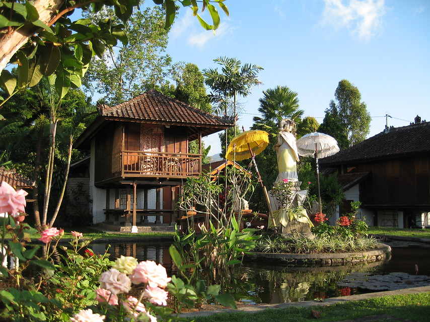 puri-lumbung-cottages---munduk-(3).jpg