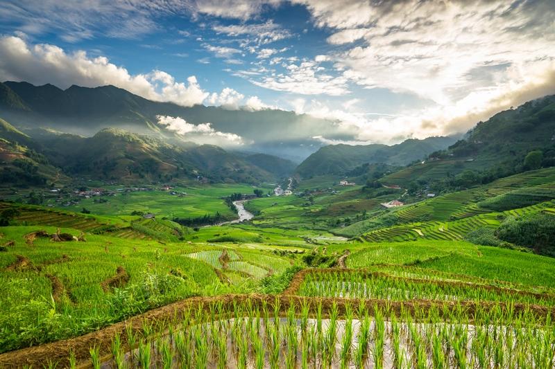 Vietnam - Noord- en Zuid-Vietnam Compleet