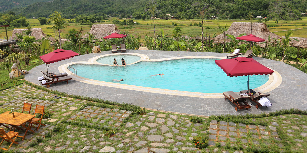 Mai_Chau_Eco_Lodge_pool.jpg