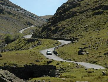 Hardknott_pass,_lake_District.jpg