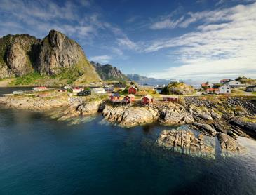 shutterstock_124613182-Lofoten_islands.jpg