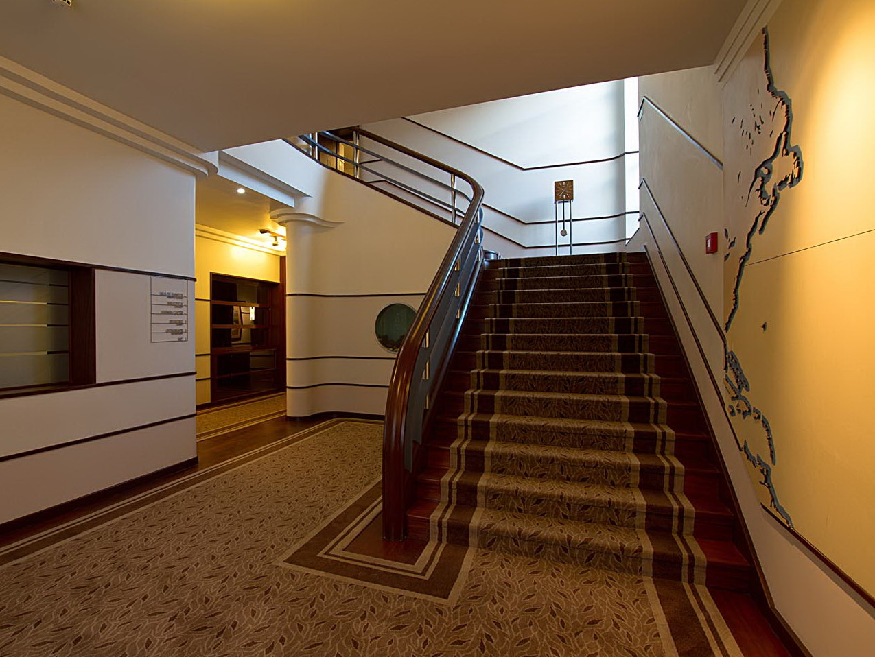 TN_Staircase_Art_Deco.jpg