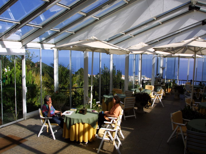 La-Palma-Romantica-Hotel-Patio-Breakfasts.jpg