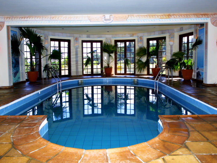 La-Palma-Romantica-Indoor-Pool.jpg