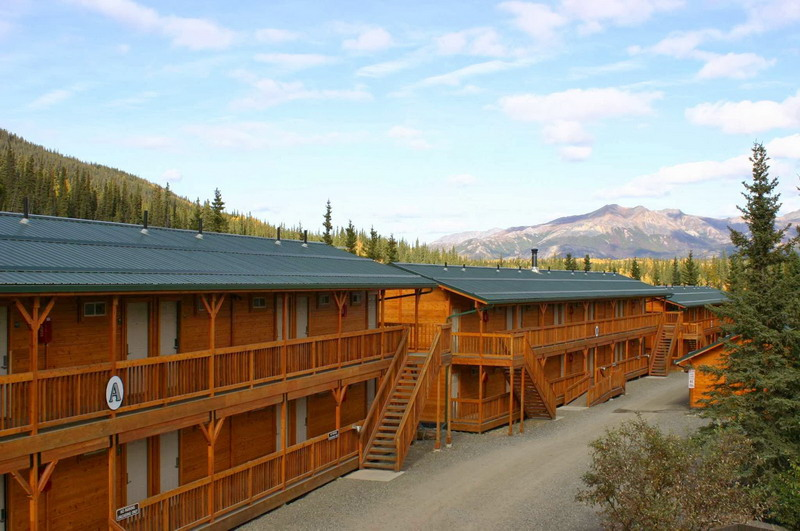 denali-grizzly-bear-resort.jpg