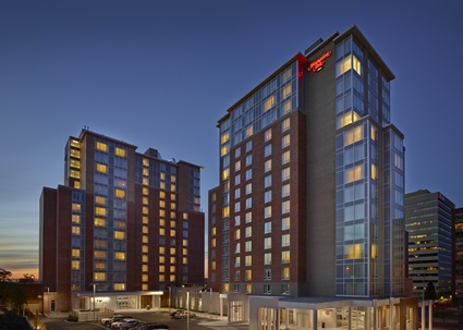 Hampton_Inn_Halifax_ext.jpg