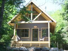 Mont_Tremblant_nature_cabin.JPG