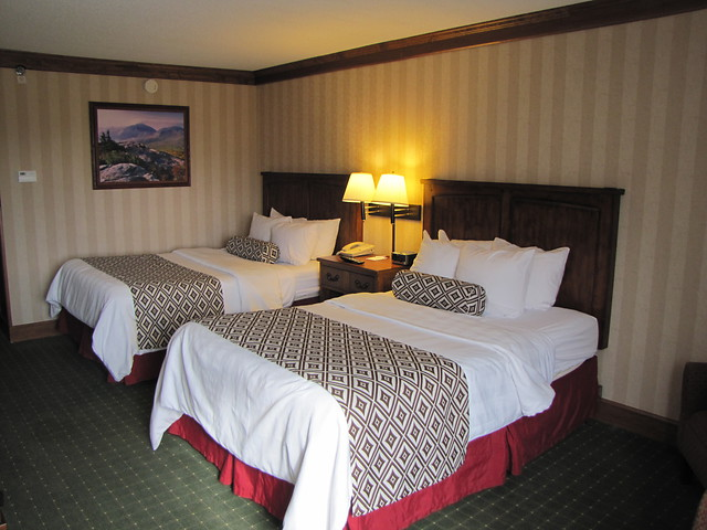 crown-plaza-room.jpg