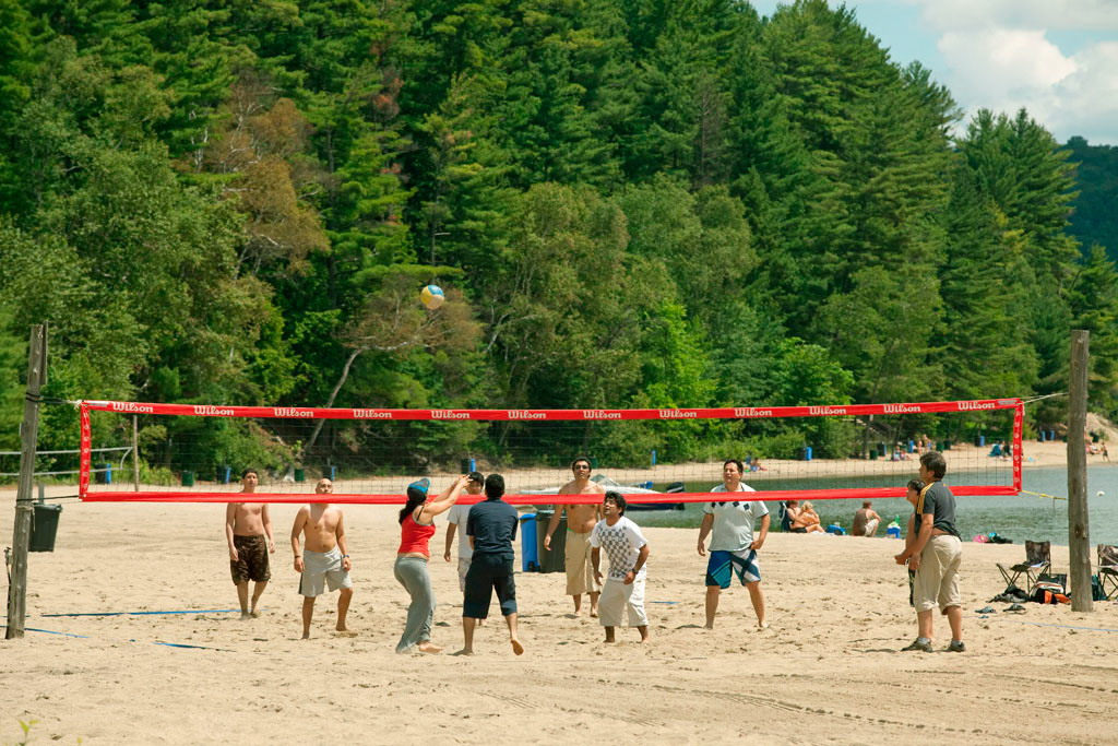 lac-simon-volley.jpg