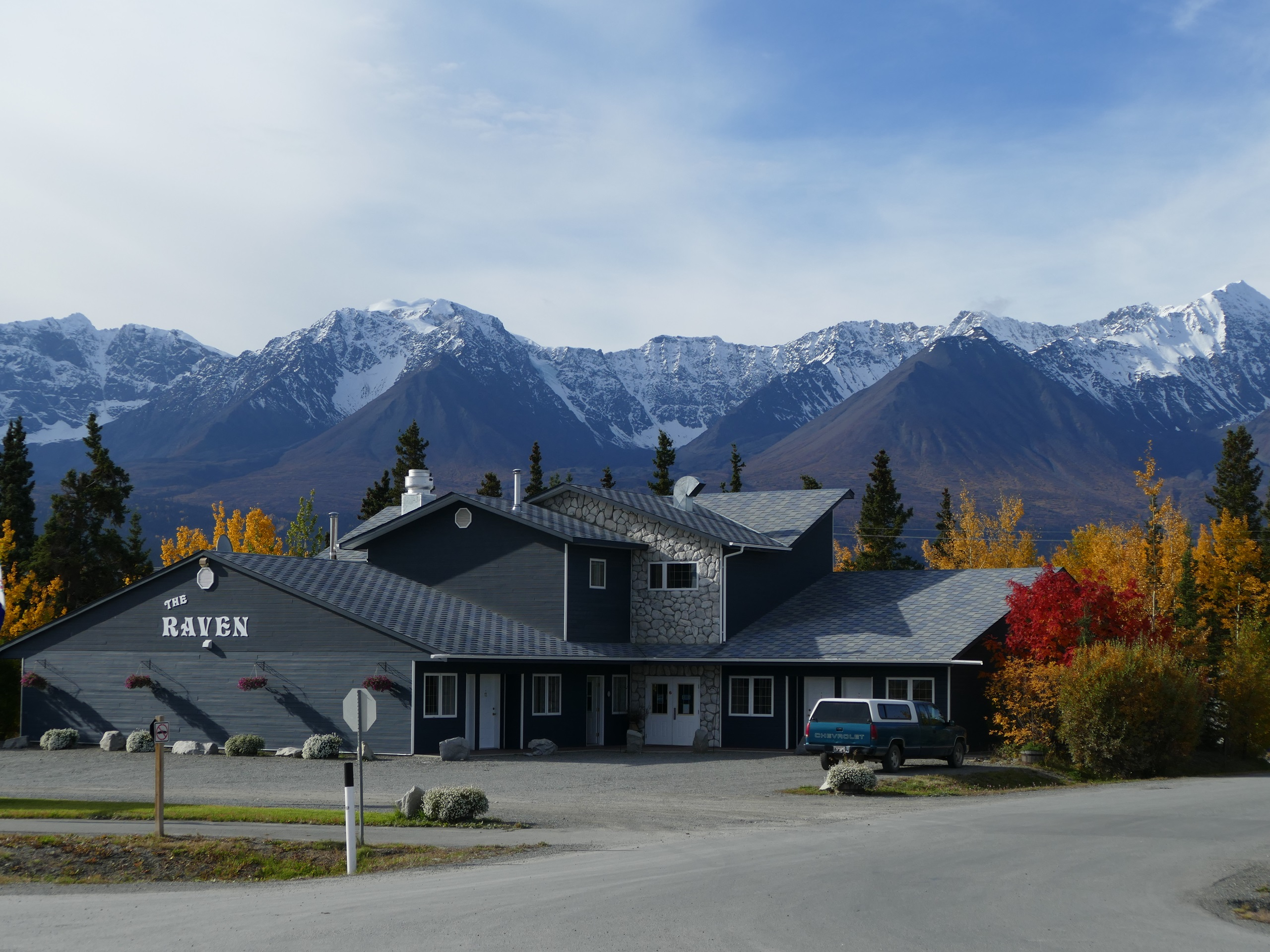 094_Raven_Hotel_Haines_Junction.JPG