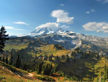 mt_rainier_in_de_vroege_herfst.jpg