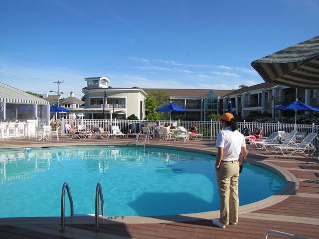 hyannis-harbour-hotel-pool.jpg