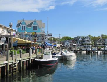 martha's-vineyard-oak-bluff.jpg
