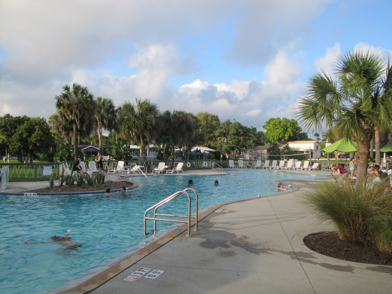 078_Plantation_at_Crystal_River_pool.jpg