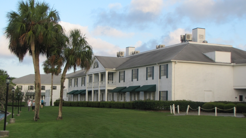 081_plantation_at_Crystal_River_ext.jpg