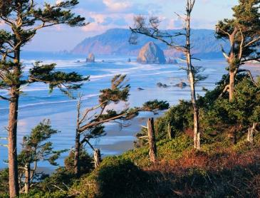 Oregon_Coast_Cannon_Beach.jpg