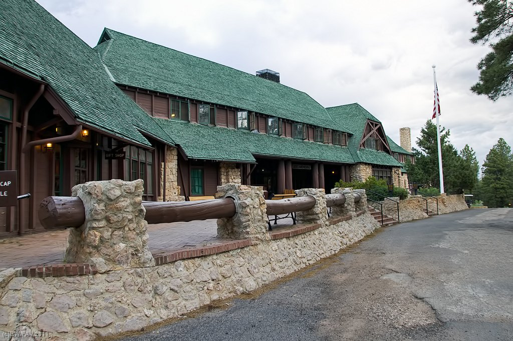 bryce-canyon-lodge-ext.jpg
