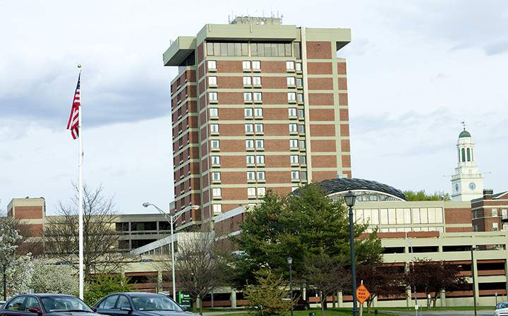 Crown_Plaza_Pittsfield_ext.jpg