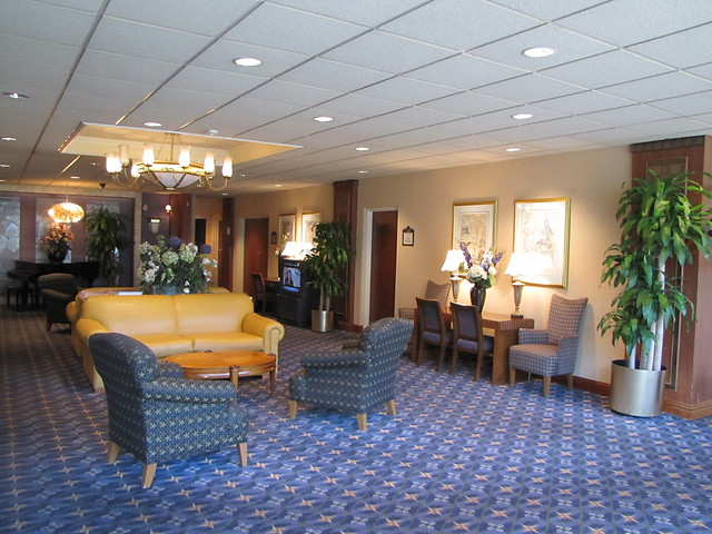 quality-inn-meadowlands-lounge.jpg