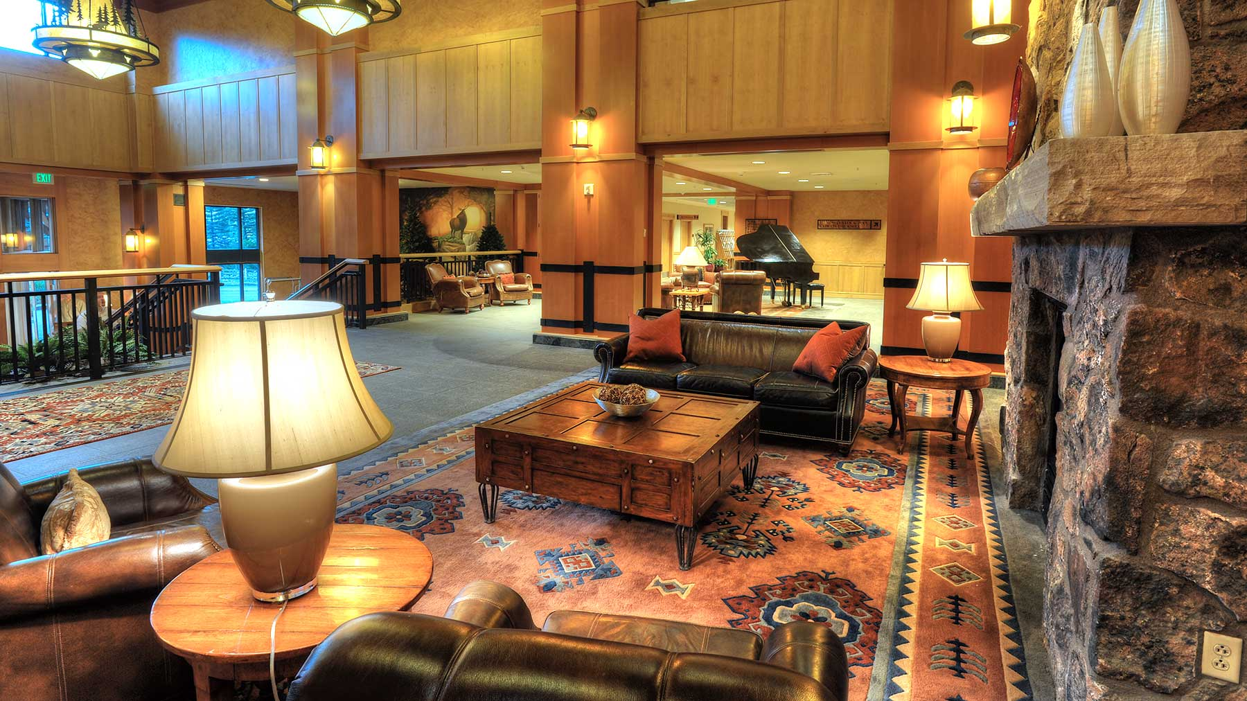 Steamboat_Grand_lounge.jpg