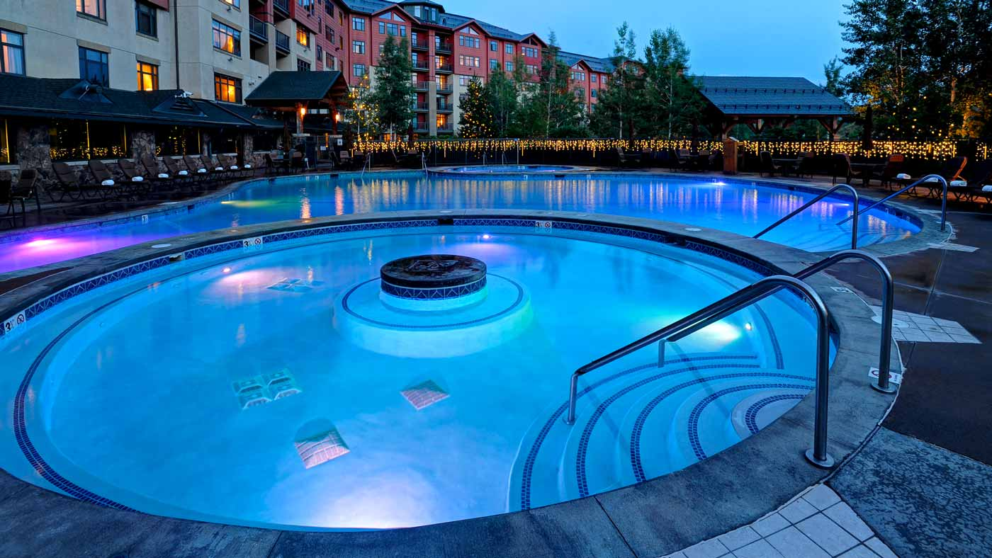 Steamboat_Grand_pool.jpg