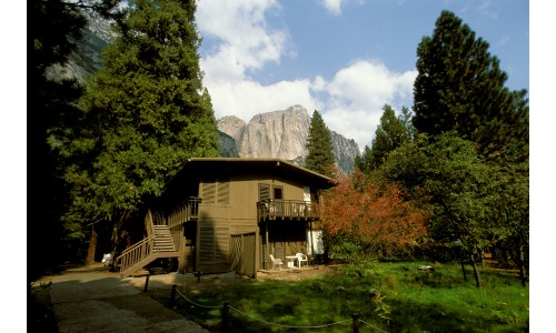 yosemite-lodge-ext.jpg