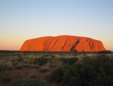 uluru_at_sunset.jpg