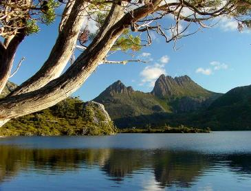 f1_Cradle_Mountain_Image.jpg