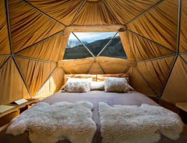 CL_Ecocamp_standard_domes_interior_WEB.jpg